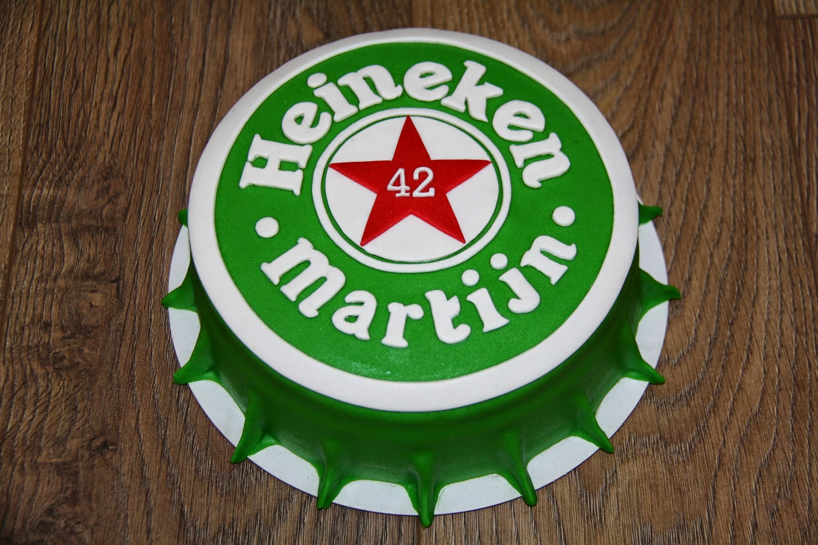 taart heineken Karin's Taarten: Heineken taart taart heineken