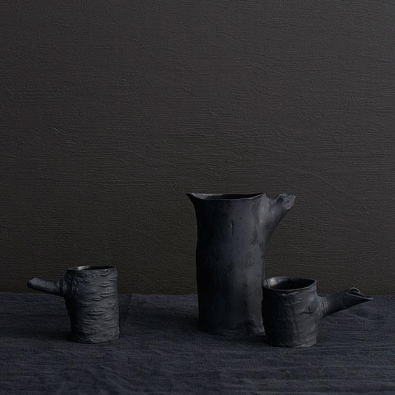 czarna ceramika