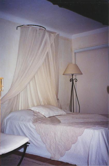 chaux, patine, chambre d'hôtes, décoration, lit, campagne chic