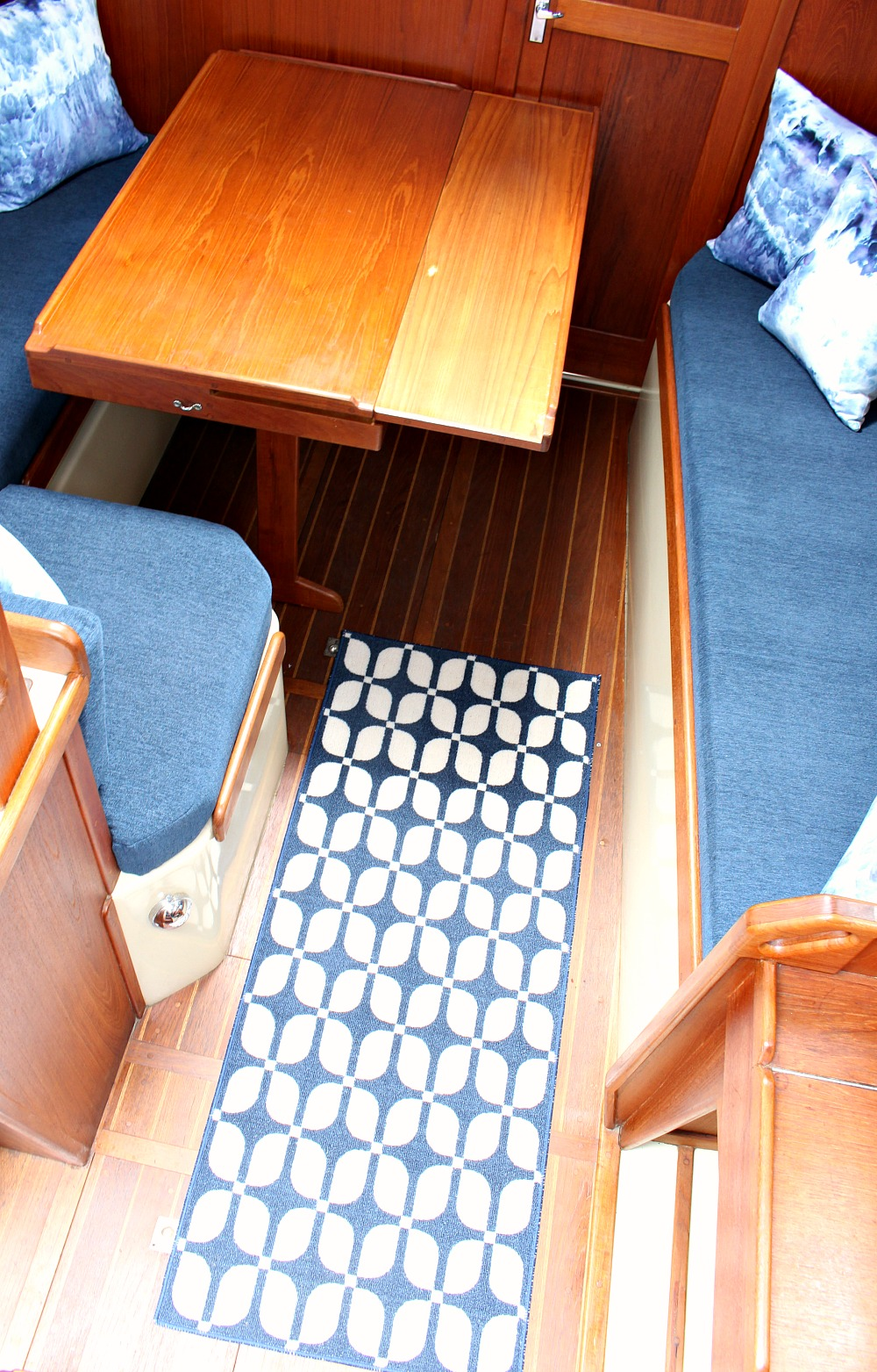 Tour the Before and After of This Updated Ticon 30 Sailboat Interior @danslelakehouse