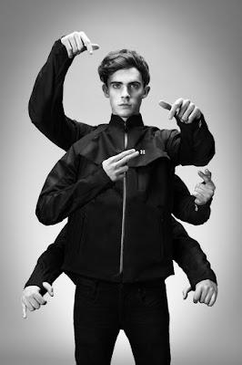 Machina y su chaqueta MIDI