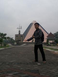 wisata religi kawasan makam gus dur