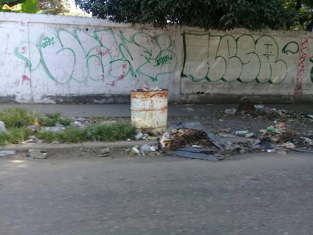 Basura se ha apoderado de las calles de San José