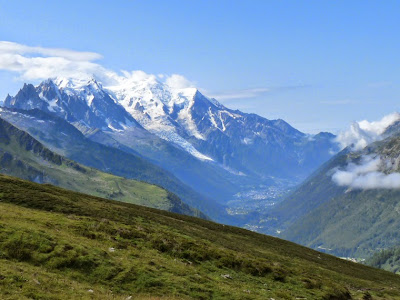 ツール・ド・モンブラン バルム峠の下山途中に見えるシャモニー渓谷