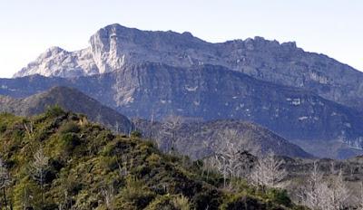 gunung yamin tertinggi indonesia