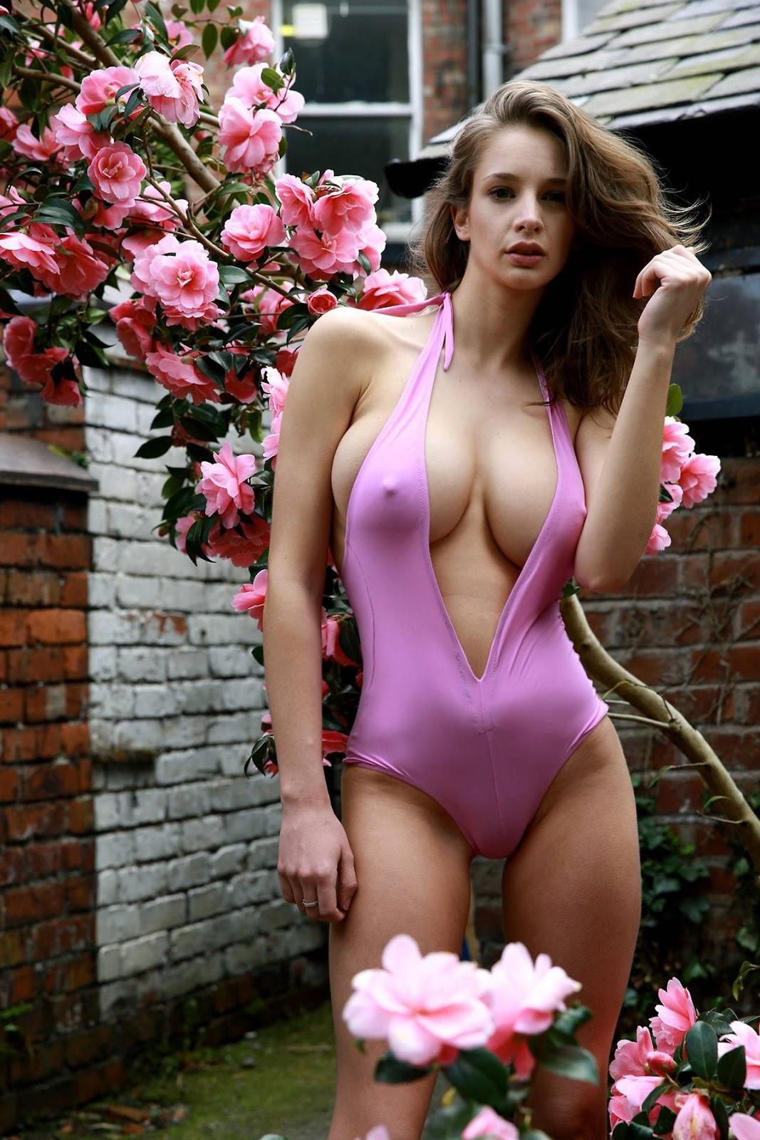 Emily Shaw - Sexy Boobs