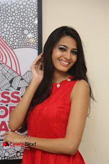 Actress Swetha Jadhav Pictures at Anoos Franchise Salon and Clinic Launch  0060.JPG