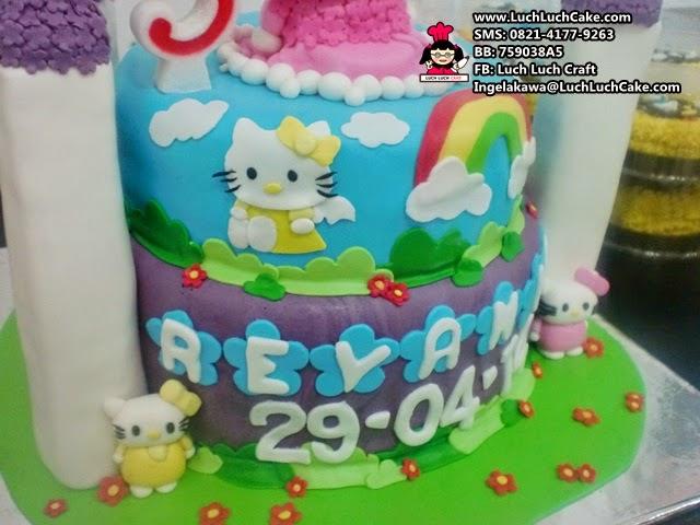 Luch Luch Cake Kue Tart Ulang Tahun Hello Kitty Tingkat