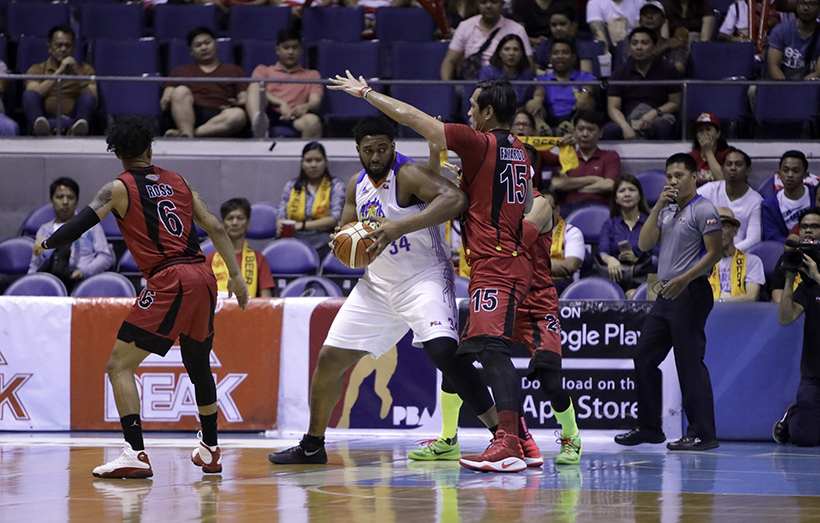Joshua Smith punished June Mar Fajardo under the basket and sent the Kraken to bench