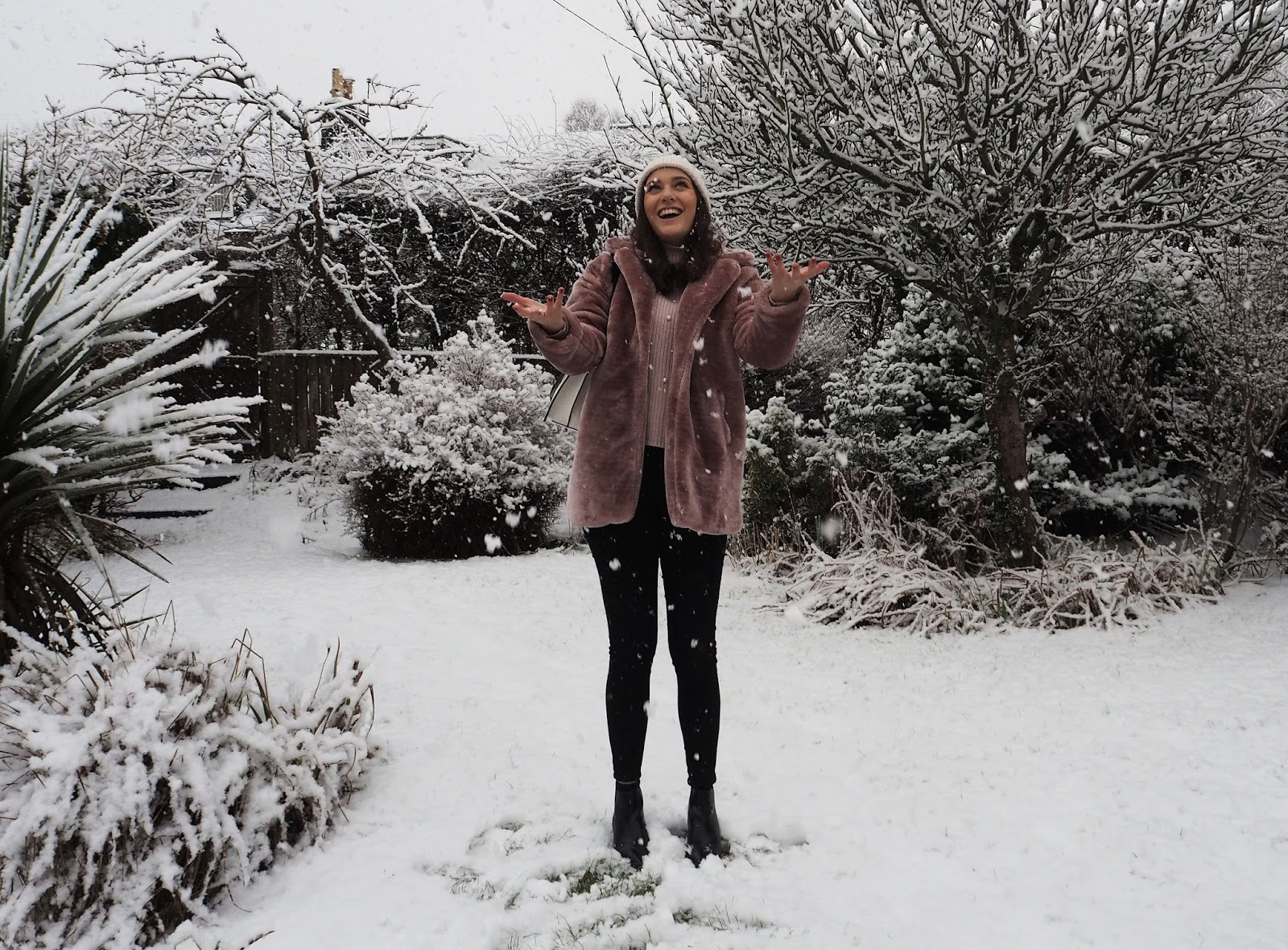 2017 in Review Lauren Rose Style Blog // Winter Fashion Snow Scotland OOTD Boohoo Pink Fur Coat