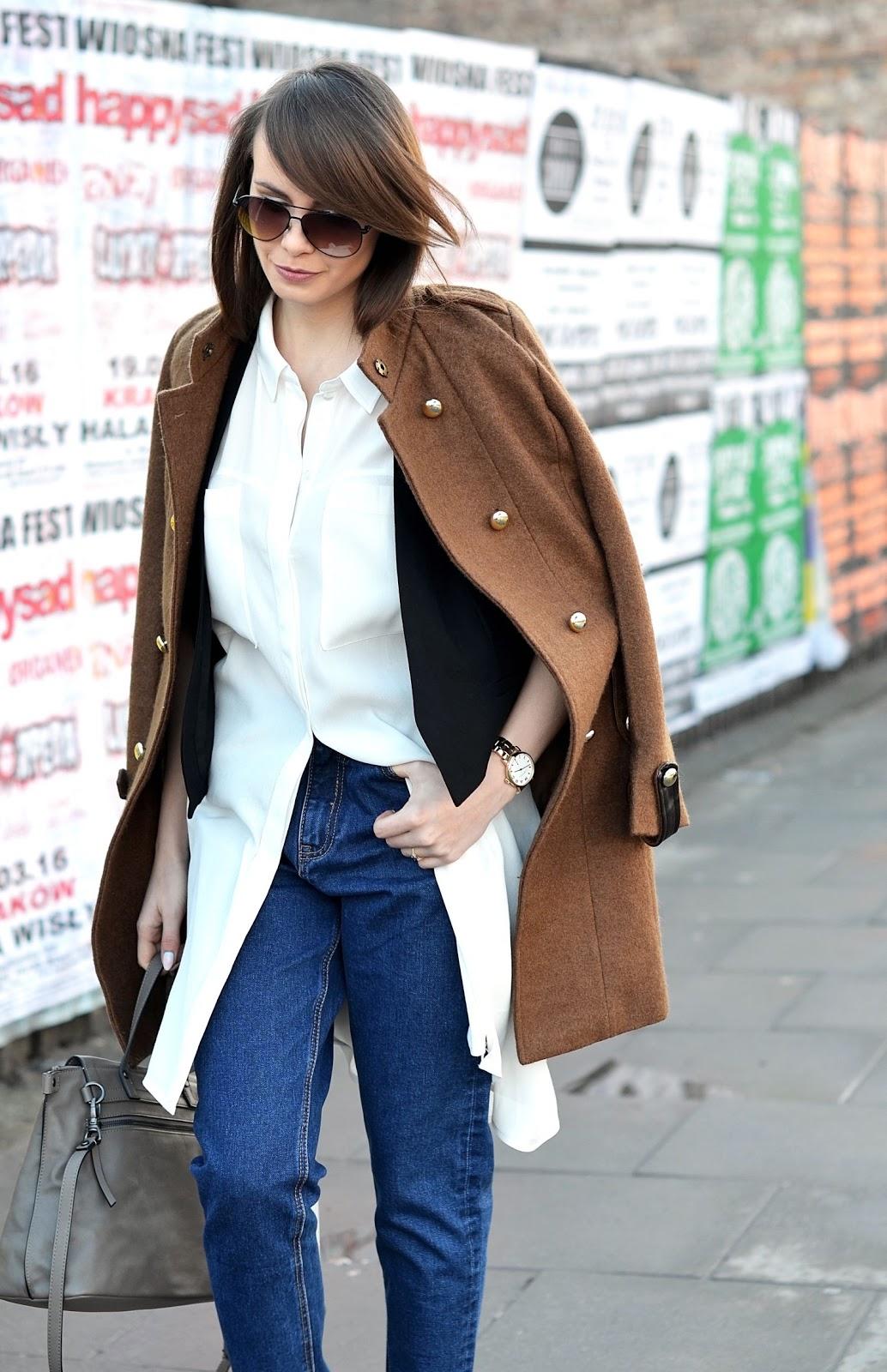 lata 90 spodnie | biala dluga koszula | czarna kamizelka | zloty zegarek | blog modowy | blogerka modowa