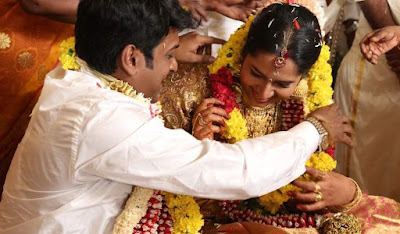 Producer-Vinoth-Kumar-and-Sindhu-wedding2