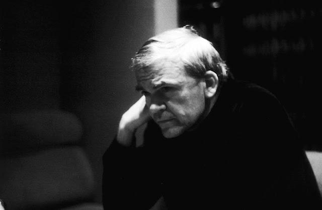 """""""La memoria no guarda películas, guarda fotografías."""" Milan Kundera."""