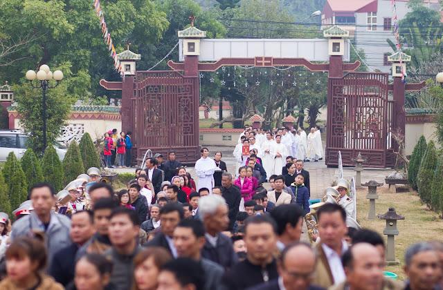 Lễ truyền chức Phó tế và Linh mục tại Giáo phận Lạng Sơn Cao Bằng 27.12.2017 - Ảnh minh hoạ 71