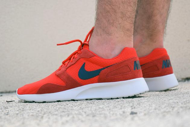 timeless design 3433c 6efdc TODAYSHYPE Nike Kaishi RedWhite