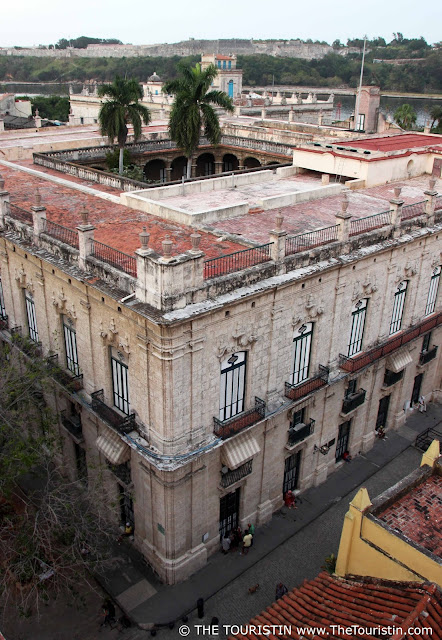 Palacio de los Capitanes Generales - outside Museum de la Ciudad