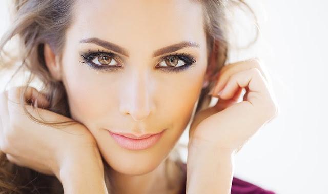 أهم نصائح خبراء المكياج للحصول على عيون جذابة