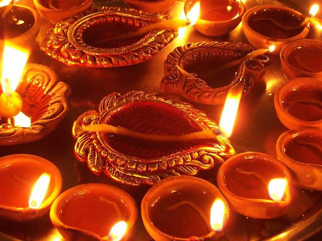 Images of Diwali Diyas
