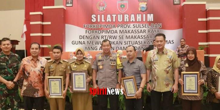 Kapolda Sulsel, Berikan Penghargaan Pada Lurah, Ketua RW/RT Yang Sudah Membantu Kinerja Polisi