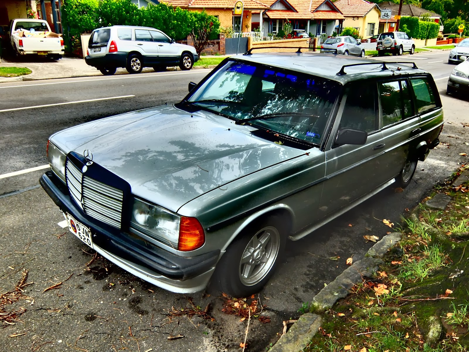 Aussie Old Parked Cars 1983 Mercedes Benz W123 280 Te Amg Wagon