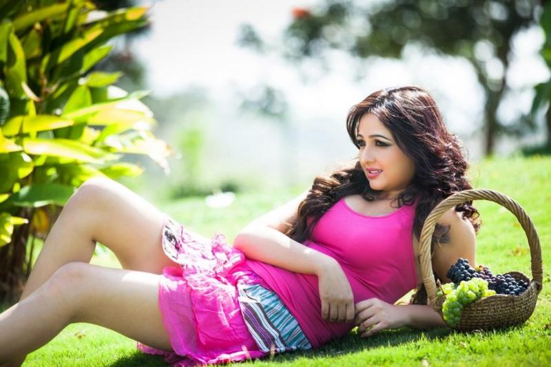 Bangla Choti আমার ধোন চুলে ভরা ভোদায়