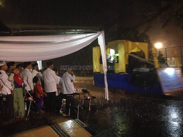 Sambut Malam Takbiran, Daerah Ini Mendapat Berkah Diguyur Hujan