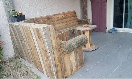 kursi dan meja kayu palet bekas