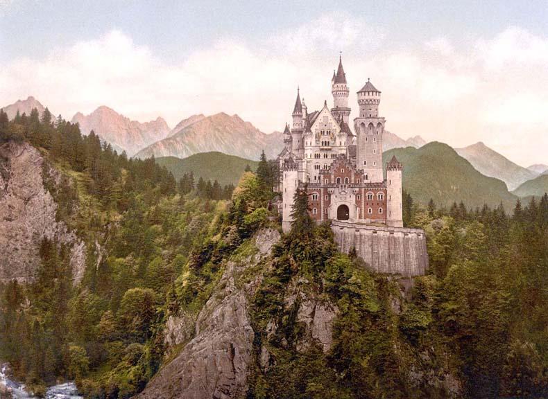 Imagen del día: El Castillo de Neuschwanstein alrededor del año 1900, 10 años después de su construcción