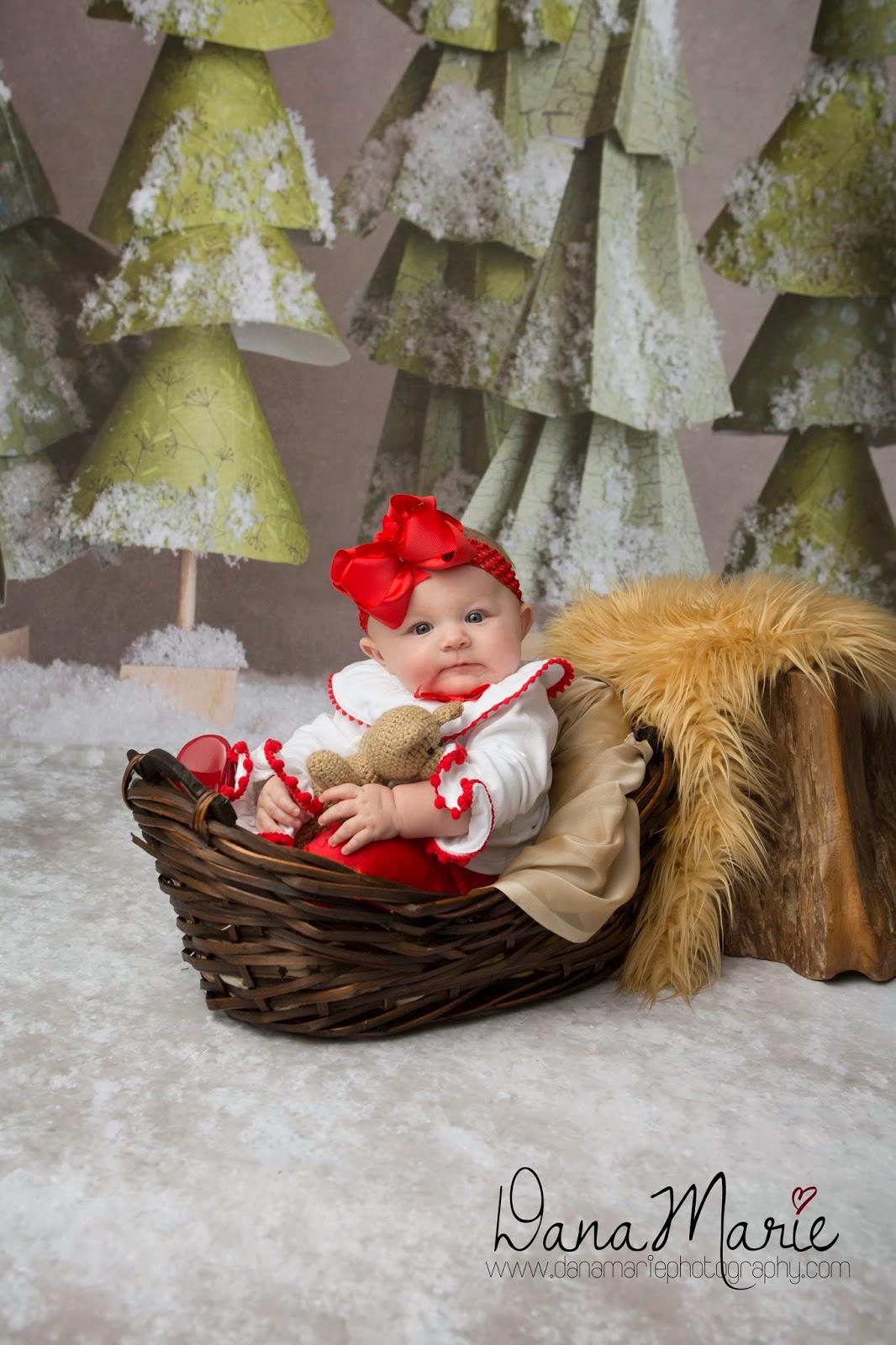 Christmas City Studio.Dana Marie Photography Christmas Holiday Mini Sessions