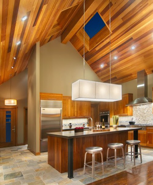 Dapur cantik dan bersih dengan desain plafon kayu