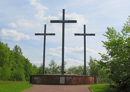 Pomnik Trzech Krzyży w Hucie Szklanej.