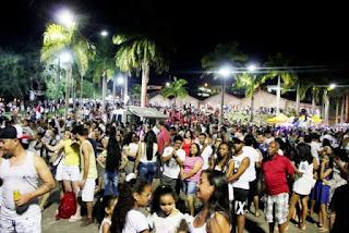Réveillon na Praça Beira Rio em Registro-SP atrai grande Público