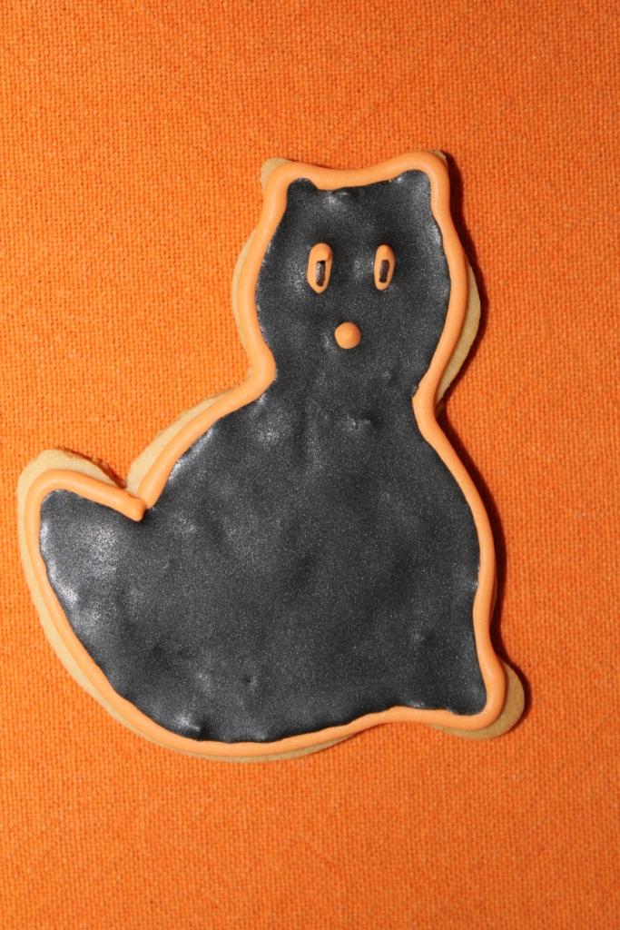 http://eldulcemundodenerea.blogspot.com.es/2012/07/gatos-fantasmas-y-murcielagos.html