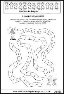 Labirinto com letras do alfabeto