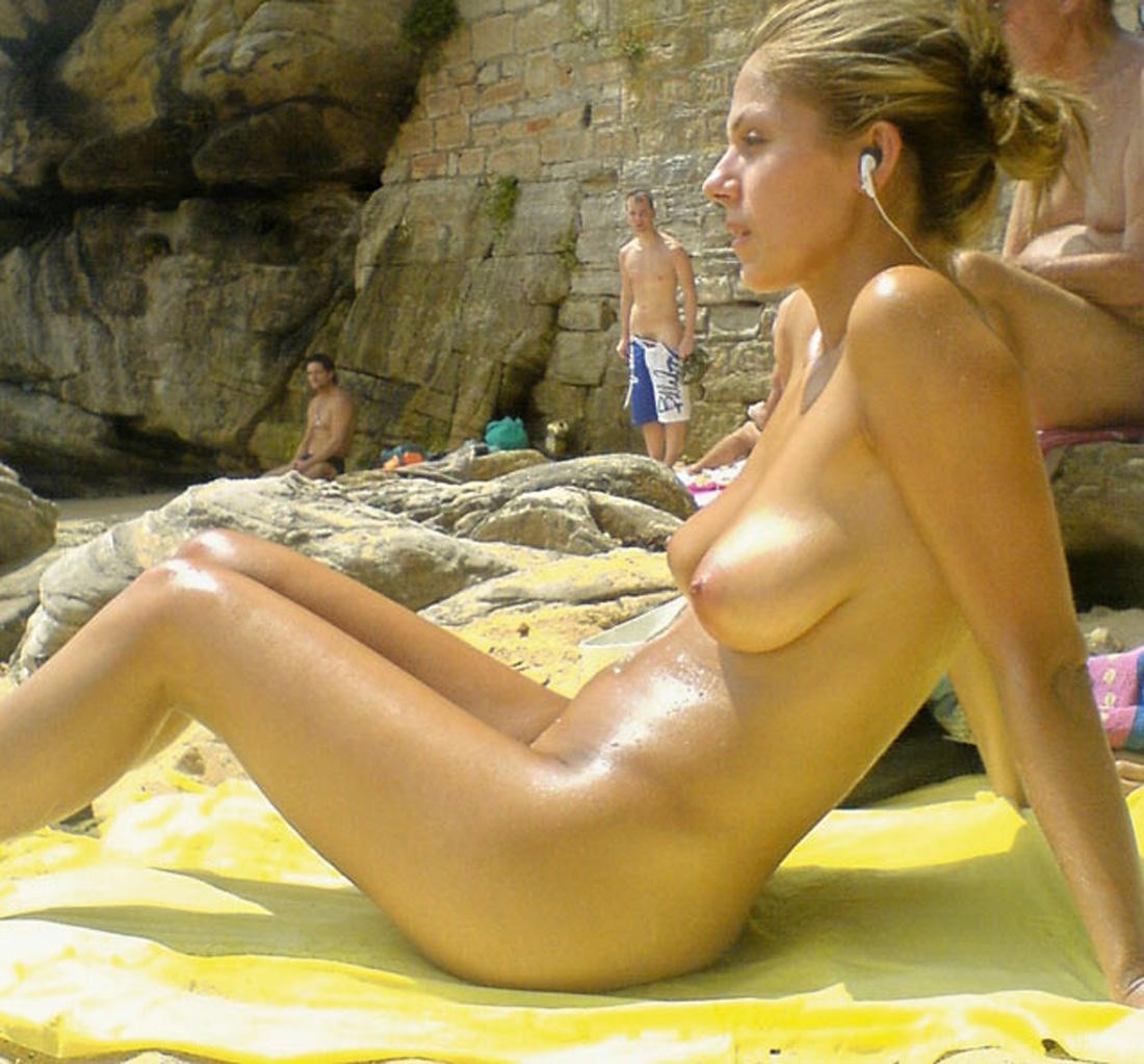 Nude Beach Mostly Candids  Nudes Girl-3490