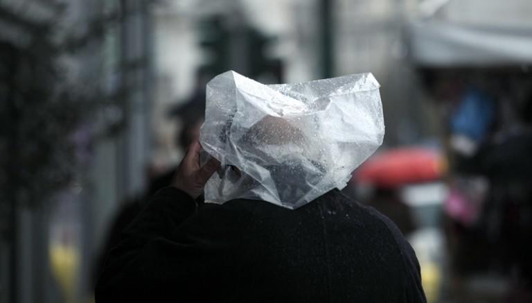 fc90de51a1 Αλλάζει η χρέωση της πλαστικής σακούλας  Πόσο θα κοστίζει από 1η Ιανουαρίου