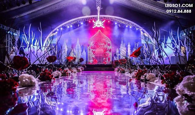 Mẫu đèn trang trí sâu khấu tiệc cưới đẹp lung linh 1