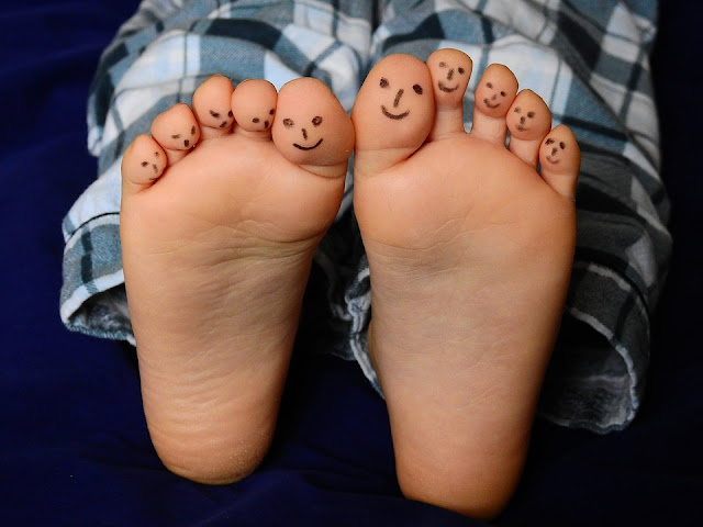 Image: Barefoot toes, by Bruno Glätsch on Pixabay
