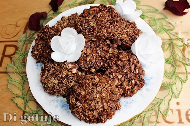Czekoladowe ciasteczka z płatków owsianych bez pieczenia