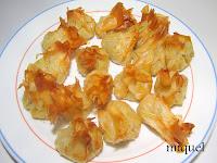 Bolsitas de pasta filo rellenas de puerros, toque de queso y gambas