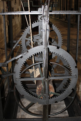 השעון בקתדרלת סליסבורי