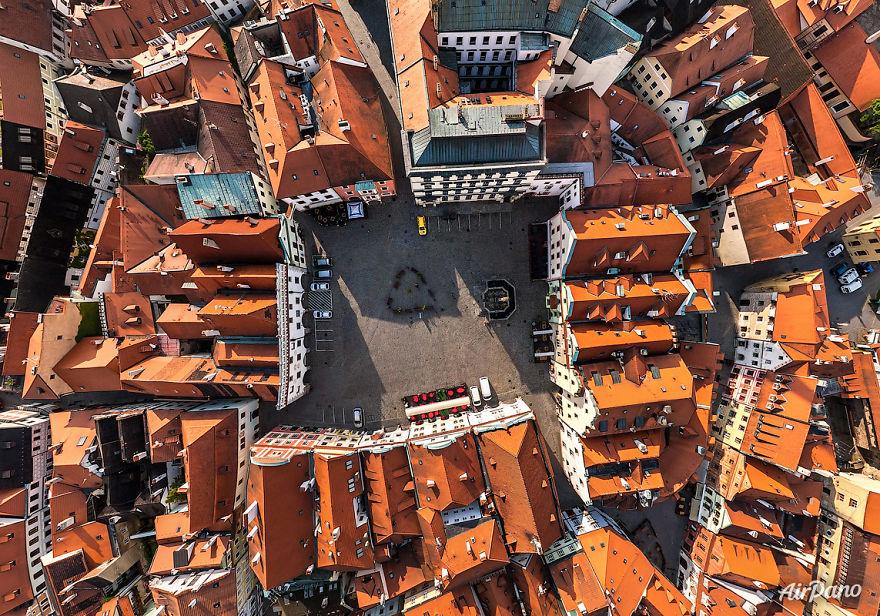 Beautiful Panoramic Pictures Of 20 Famous Cities - Ceský Krumlov, Czech Republic