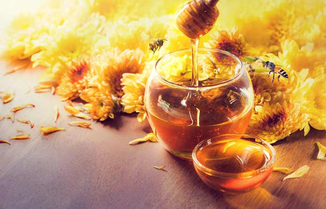 10 Best Ways To Use Honey For Dry Skin