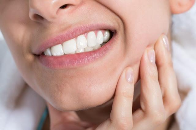 Cómo curar un flemón dental
