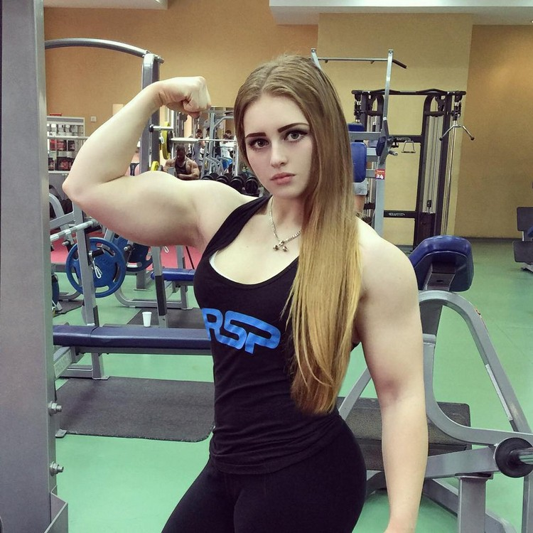Girl With A Doll Face And The Body Of A Bodybuilder Strong Girl Abs