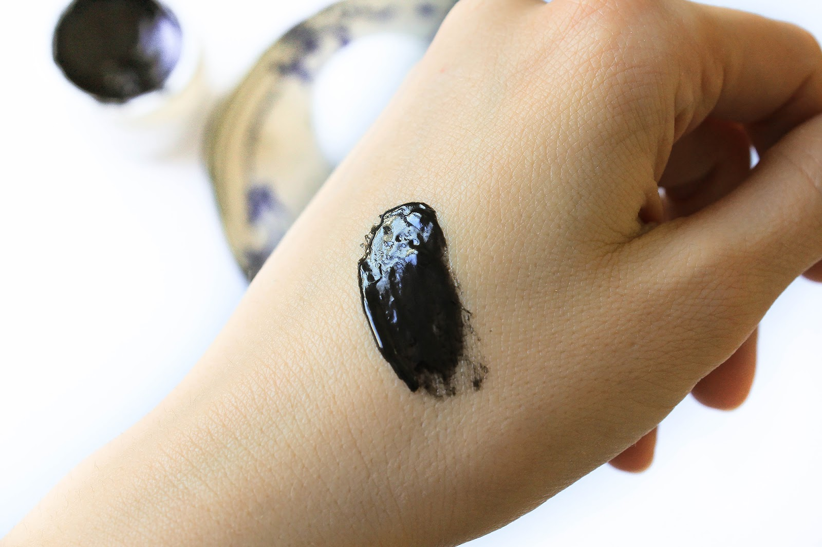Ayuna Less Is Beauty Balm Volcanic Revitalizing Mask. Swatch.