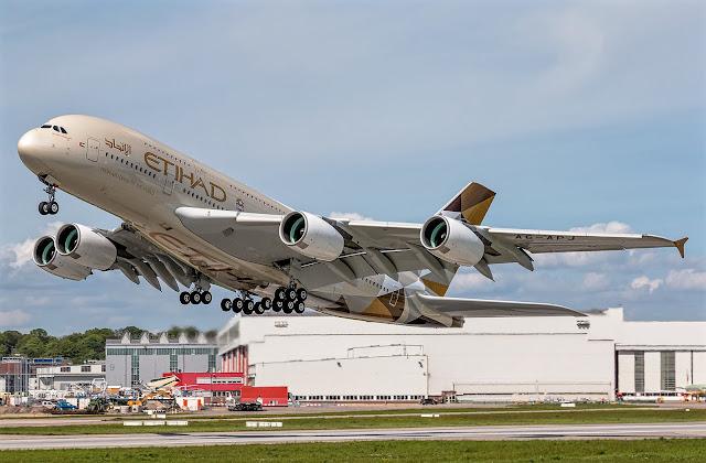 a380-800 etihad takeoff