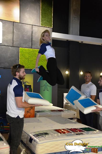 Daniel Frenkel jumping on bed דניאל פרנקל קופצת על מיטת עמינח ריו