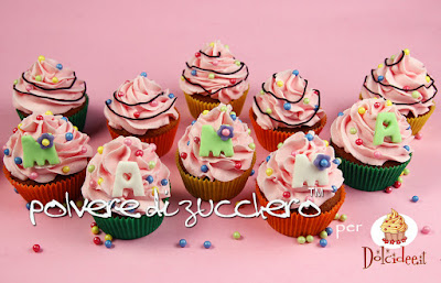 cupcakes pasta di zucchero cake design polvere di zucchero festa della mamma mum