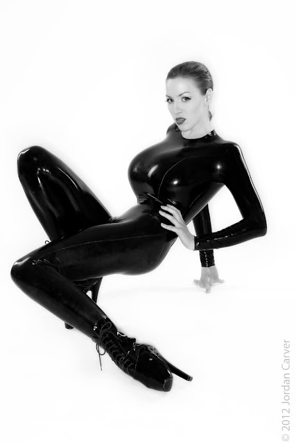 Jordan-Carver-Sandine-Hot-Photoshoot-in-Catsuit-356312
